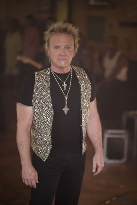 Joey Kramer still rocks the soul patch.