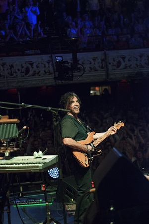 Daryl Hall & John Oates playing their sold out show at the Olympia Theatre on Tuesday, 15 July 2014. Photo by Kathrin Baumbach/Courtesy of Eagle Rock
